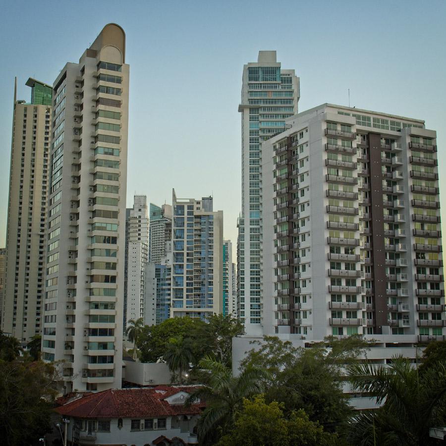 CzrArt - Viajero Panama QuedateEnCasa